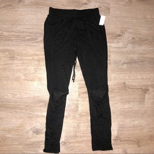 Black Joggers Skinny w/ Cut Out Knee